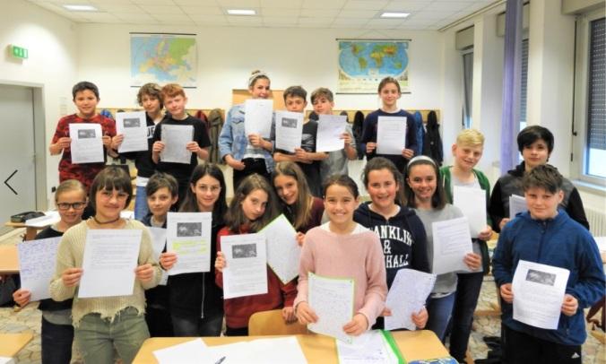 1^D collegio arcivescovile trento scuola 2019 pesce di pace.JPG